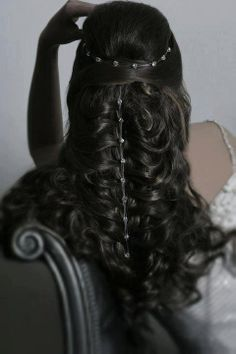 3da52a0c2565395c48e0b7c21c7bc70d--medieval-hairstyles-elvish-hairstyles